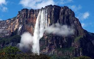 Catarata Salto El Ángel en Venezuela