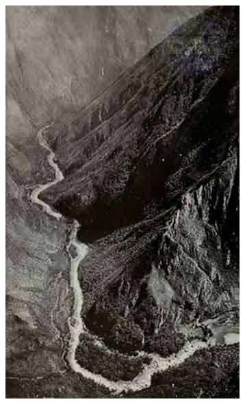 Vista del Río Urubamba desde Machu Picchu