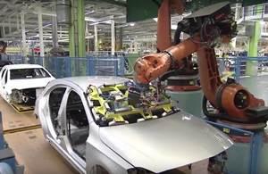 Fabricación en una Planta Automotriz de Mercedes Benz